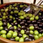 Chocolatines con almendra en forma de aceitunas